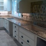 Accent section in front of kitchen sink